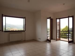Foto - Trilocale via del Porto, Gavignano Sabino, Forano