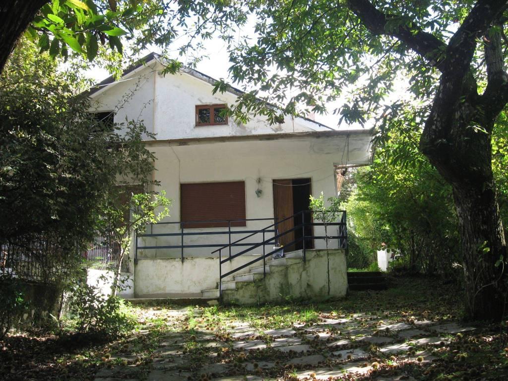 foto  Villa via Giosuè Carducci, Acerno