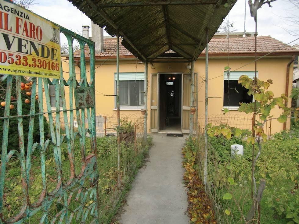 foto Facciata Villa via Sacche 186, Mesola