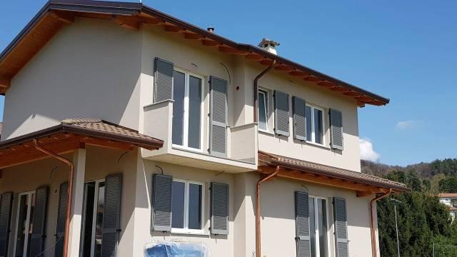 Villa in vendita a Uggiate-Trevano, 5 locali, prezzo € 430.000 | Cambio Casa.it