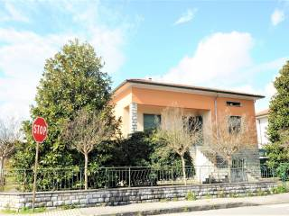 Foto - Villa via Giacomo Matteotti 6, Chiesina Uzzanese