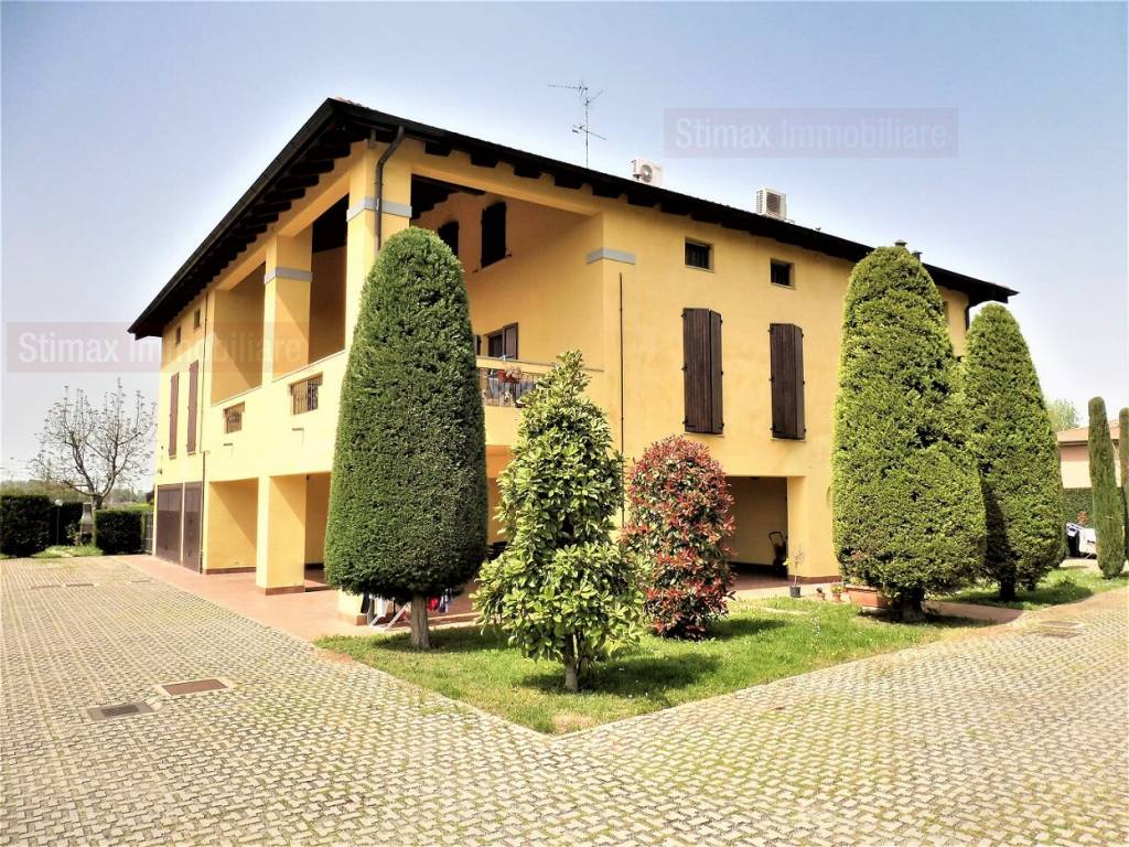 foto esterno Trilocale via Mavora 77, Castelfranco Emilia