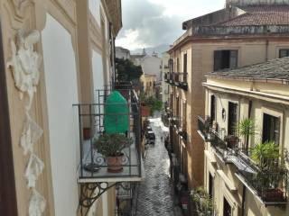 Foto - Appartamento via Alloro, Kalsa, Palermo