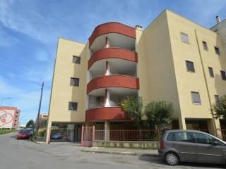 Foto - Trilocale via Eugenio Montale 1, Casamassima