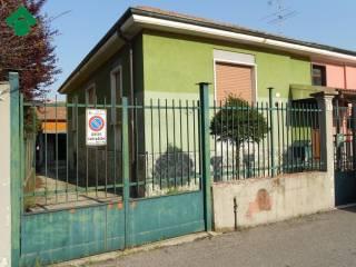 Foto - Villa via Giacomo Leopardi, Cologno Monzese