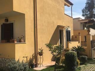 Foto - Villetta a schiera via Montegioco, Piana del Sole, Roma