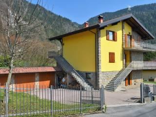Foto - Trilocale via Monte Pora 24, Castione della Presolana