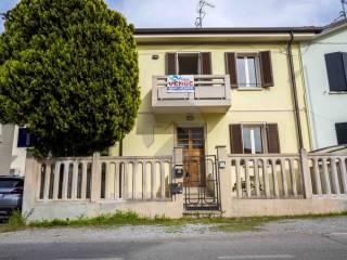 Foto - Casa indipendente via Eligio Cacciaguerra 165, Cesena