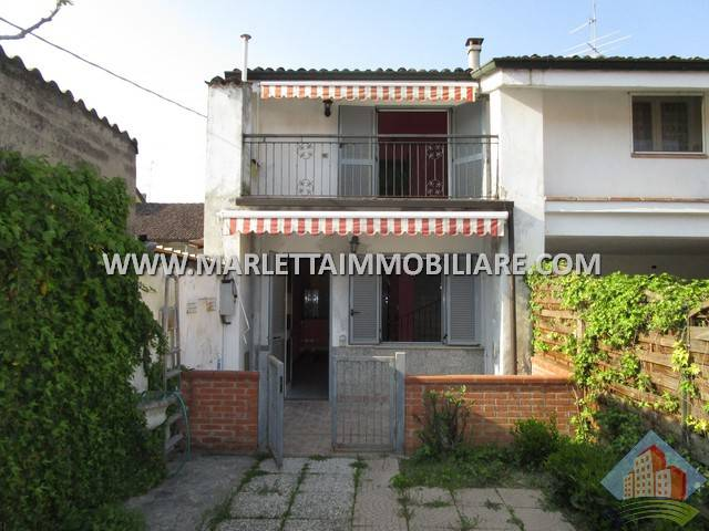 foto  Terraced house 3 rooms, good condition, Capralba