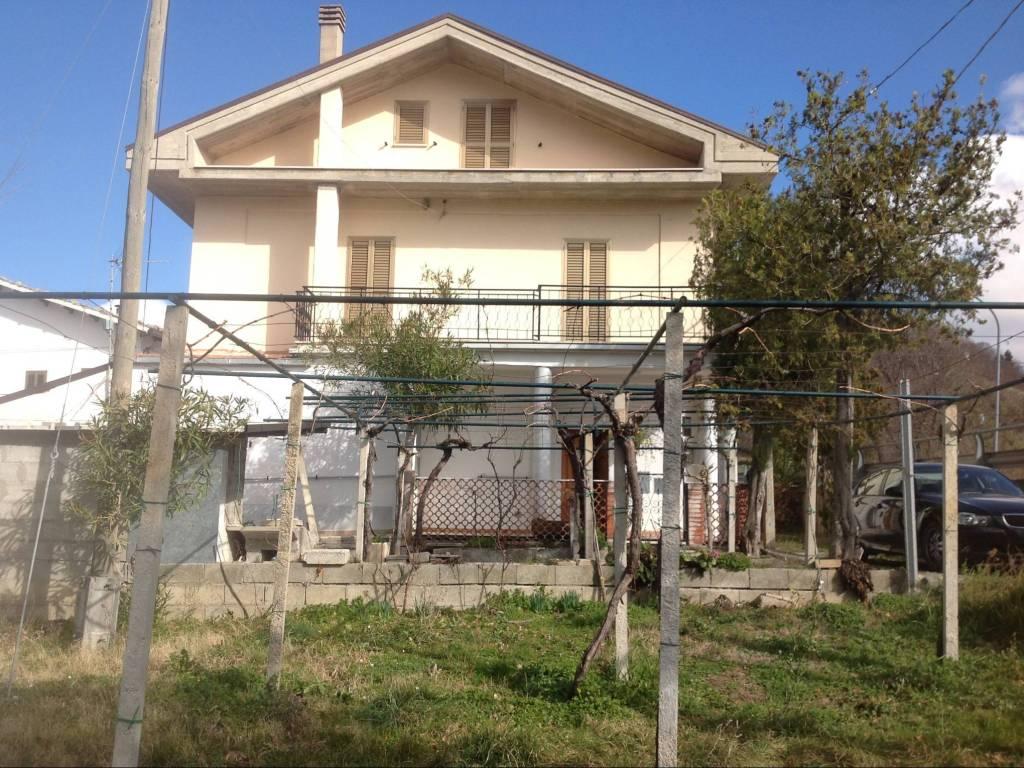foto  Casa indipendente 212 mq, ottimo stato, Civitaquana
