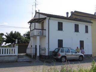 Foto - Casa indipendente via Gambina 18, Castelvetro Piacentino