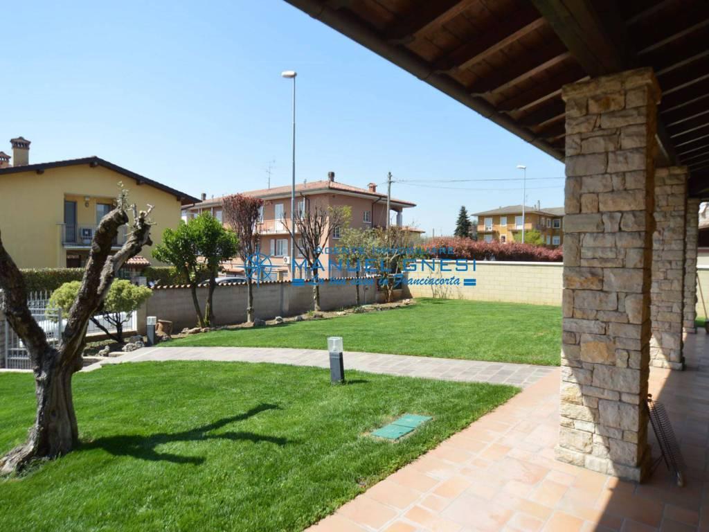 foto  Villa unifamiliare, buono stato, 354 mq, Rodengo Saiano