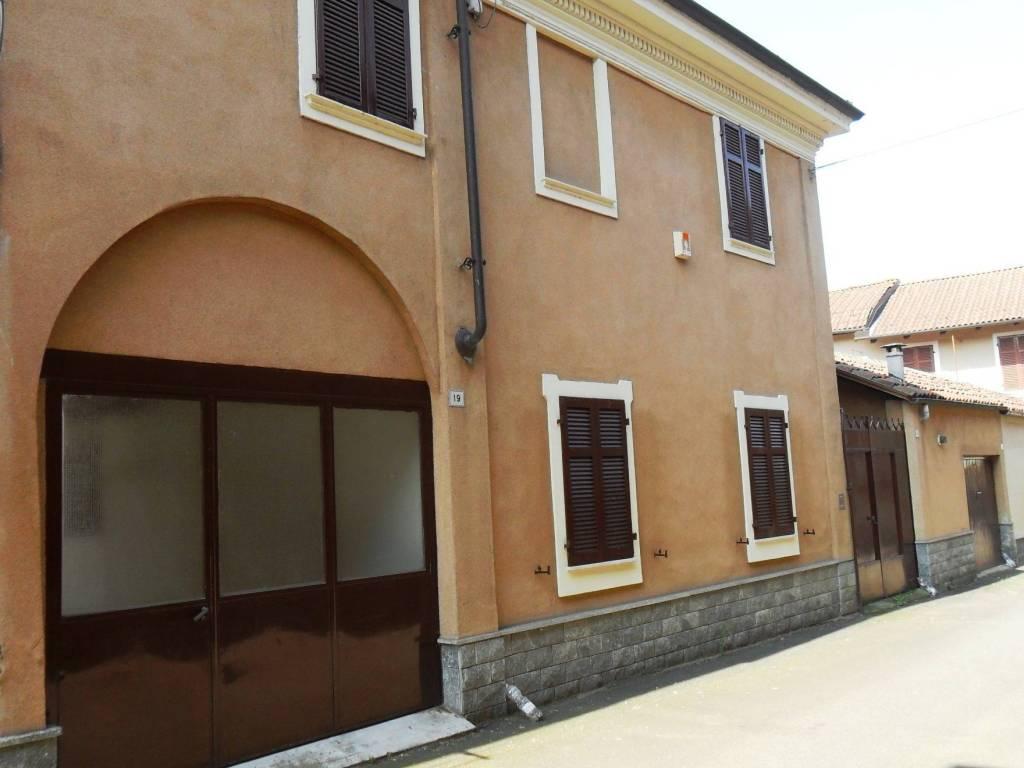 foto Facciata esterna Villa via Federico Rosazza 21, Desana