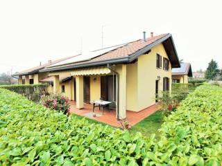 Foto - Villa via Salvo D'Acquisto, Cermenate
