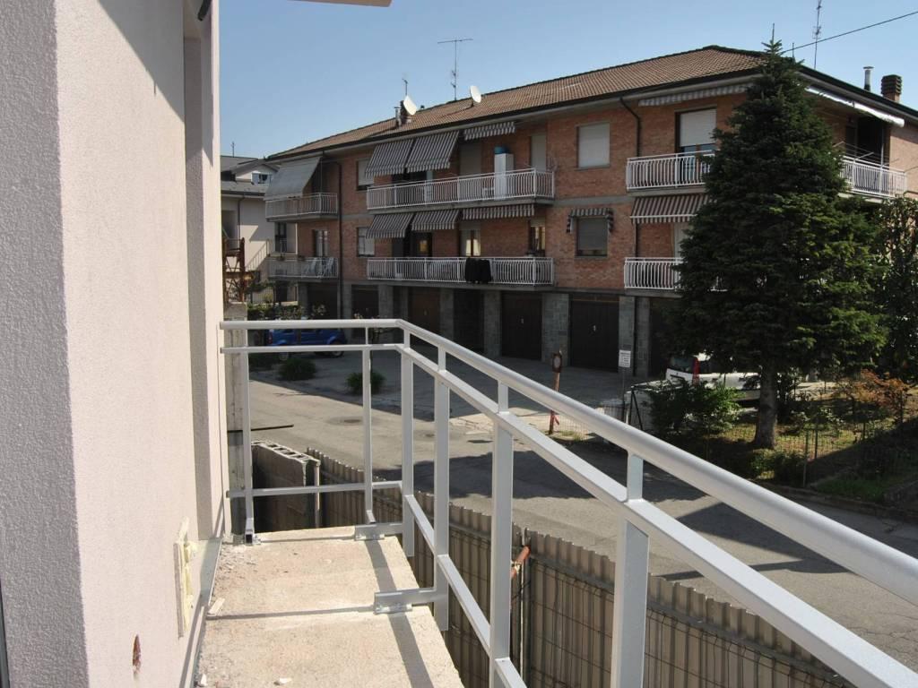 Foto 1 di Bilocale Via Camillo Benso di Cavour, Grinzane Cavour
