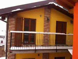 Foto - Trilocale via Carlo Carbonoli 11, Pontirolo Nuovo