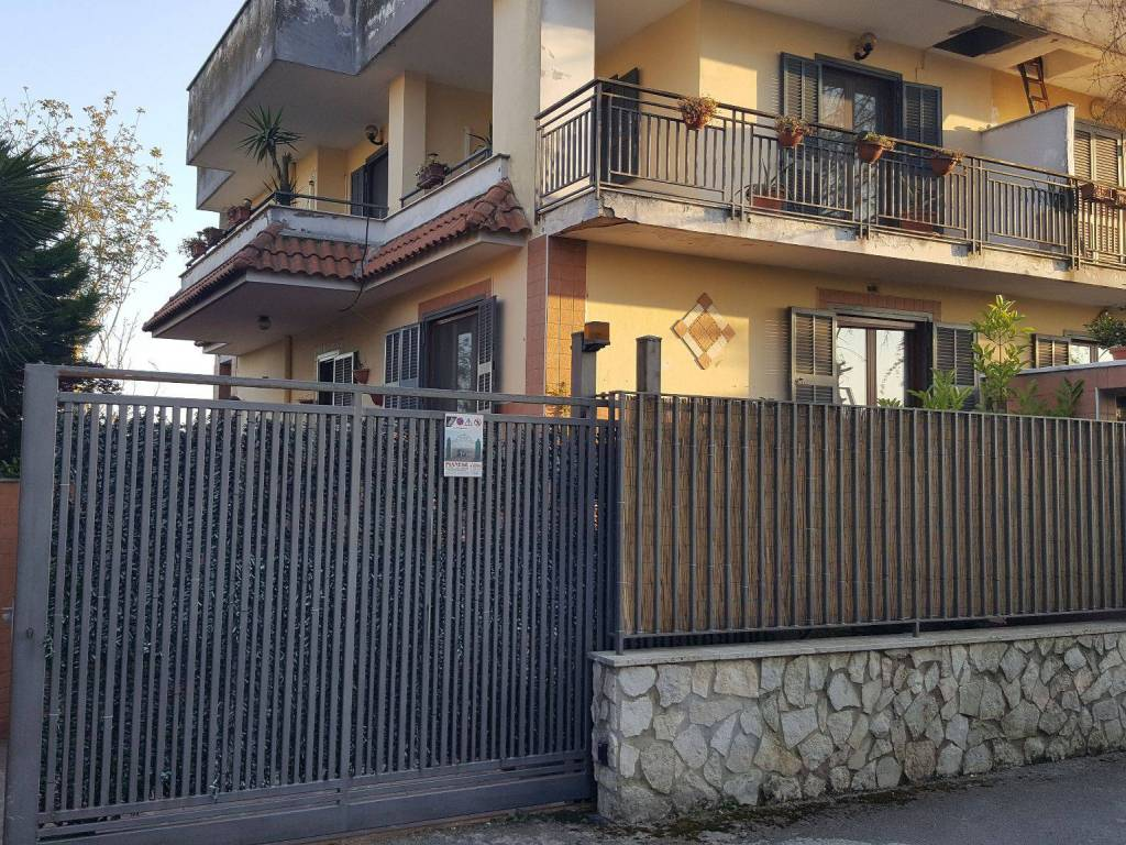 foto  Villa bifamiliare via della Libertà 560, Villaricca
