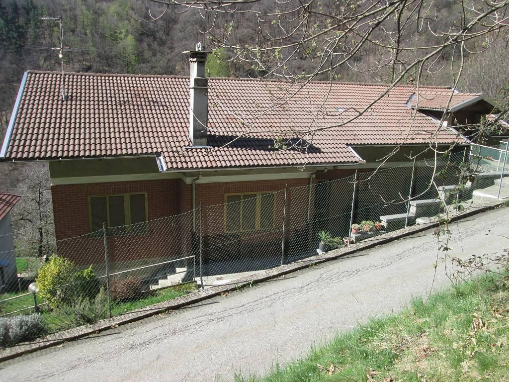 foto Il tetto lato nord. Villa via Giuseppe Garibaldi 76, Sagliano Micca