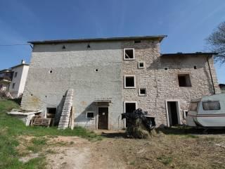 Foto - Rustico / Casale via Monti Lessini, Erbezzo