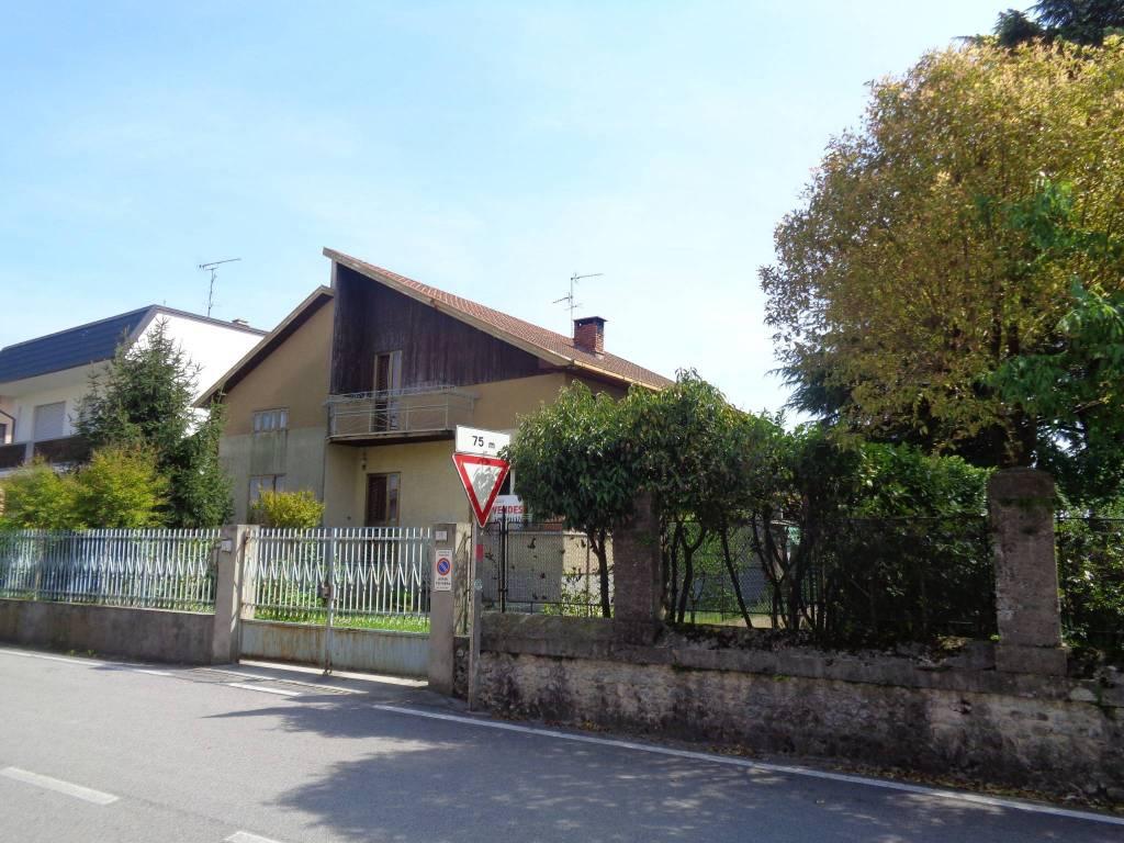 foto  Villa via della Chiesa, Dignano