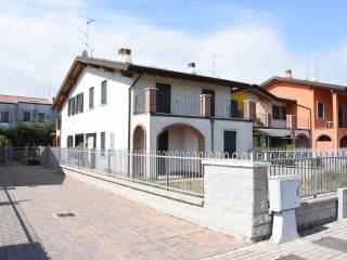 Foto - Villetta a schiera all'asta via Reno 18, San Giorgio di Mantova