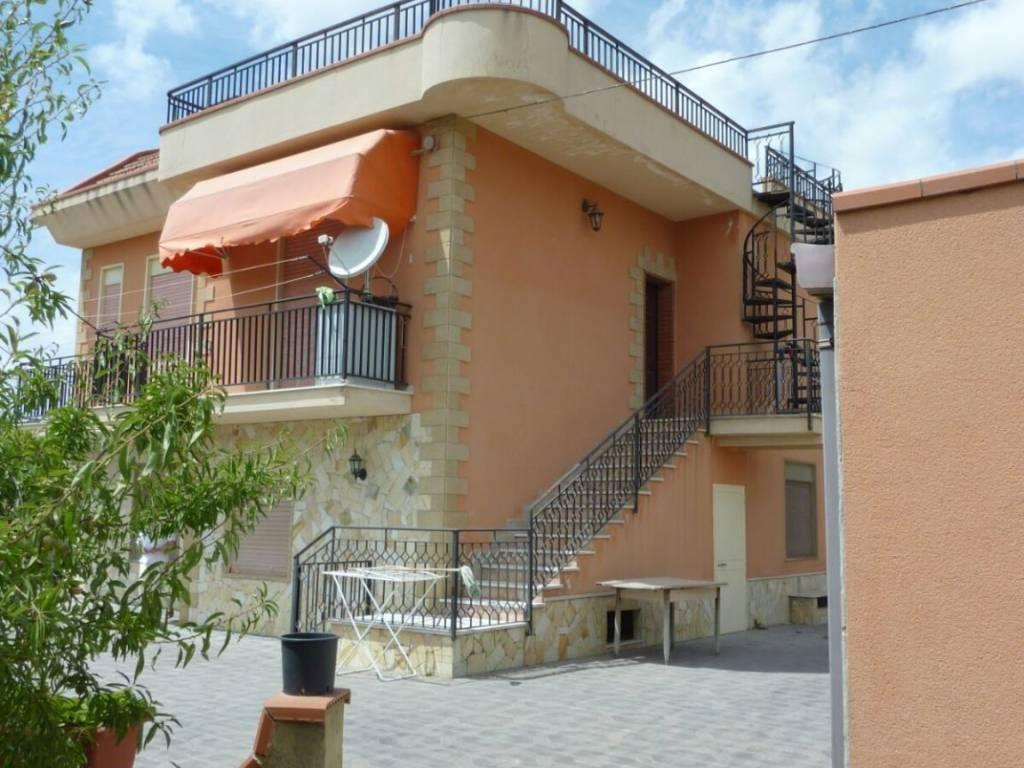 foto  Villa Strada Provinciale Sommatino, Caltanissetta