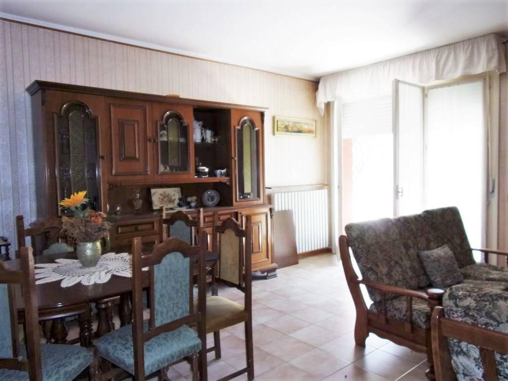 foto  Apartment excellent condition, first floor, Fermignano
