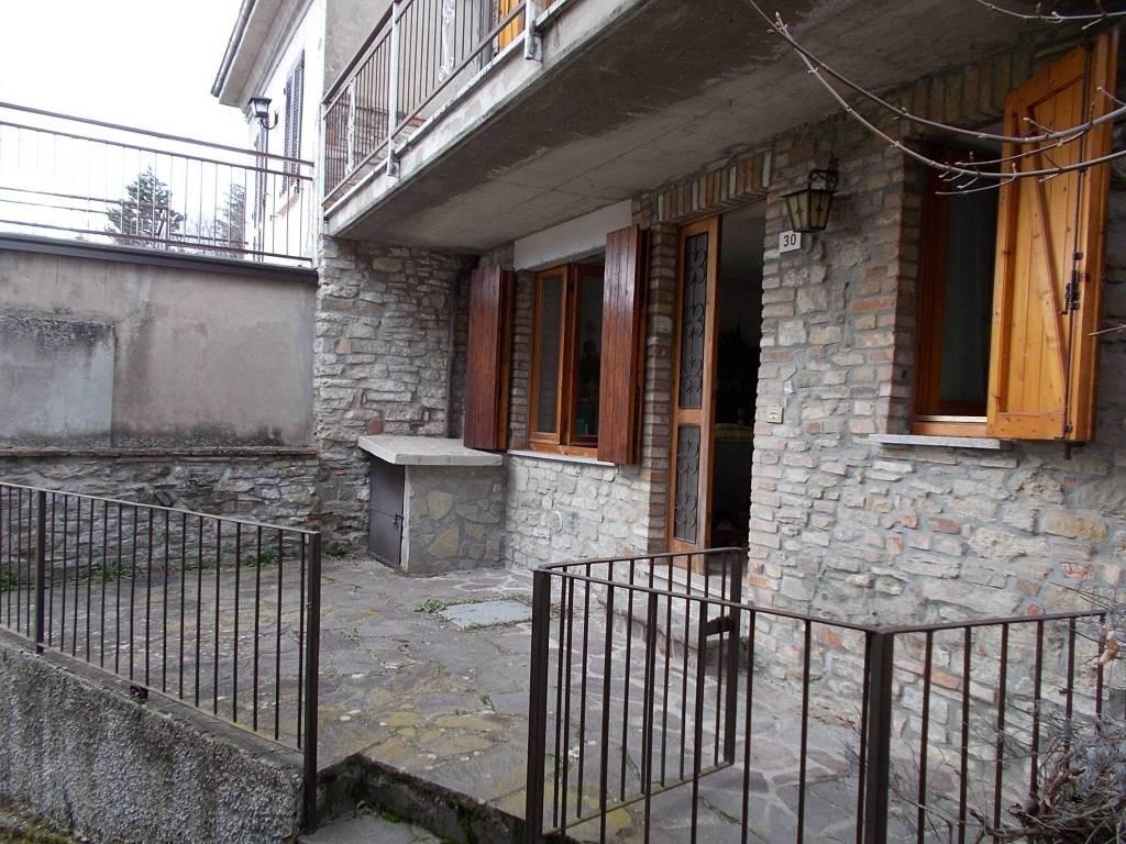 foto  Casa indipendente frazione Cascine, Zavattarello