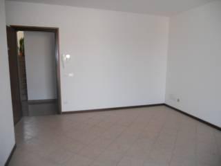 Foto - Trilocale nuovo, primo piano, Guastalla