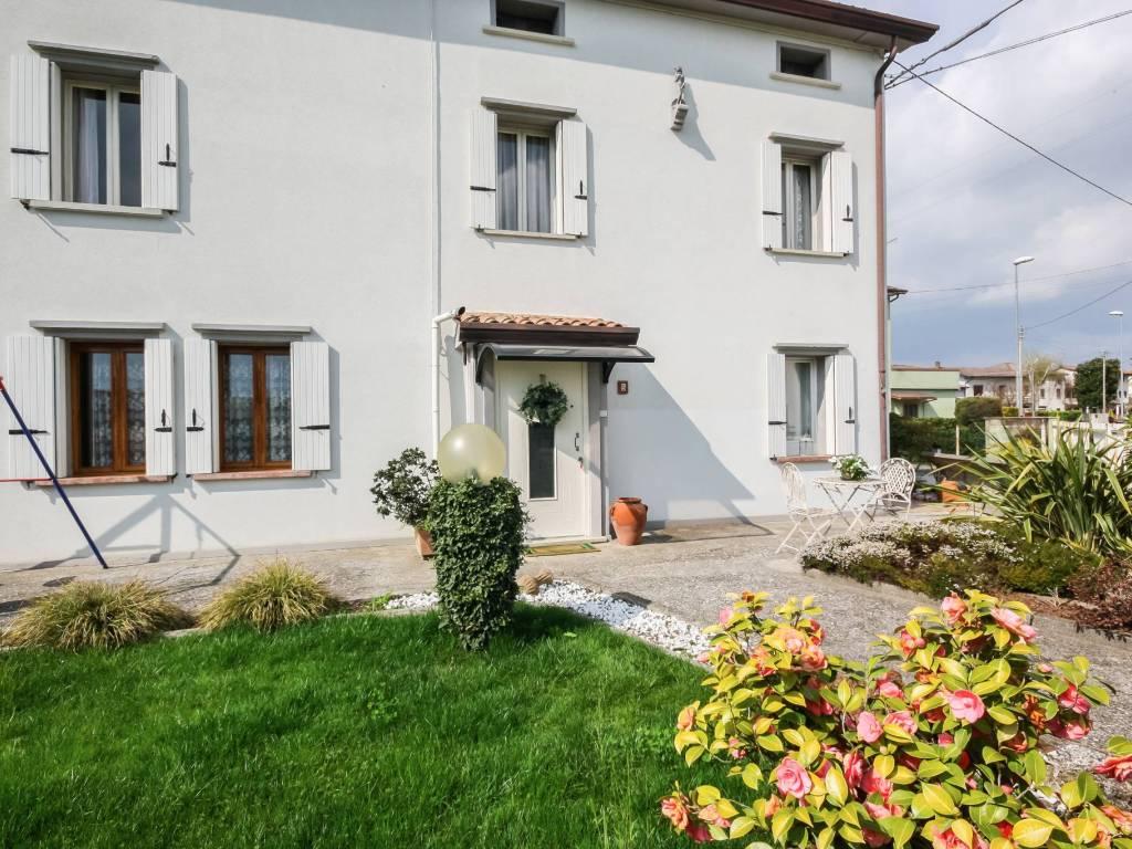 foto  Villa via Dante Alighieri 3, Carmignano di Brenta