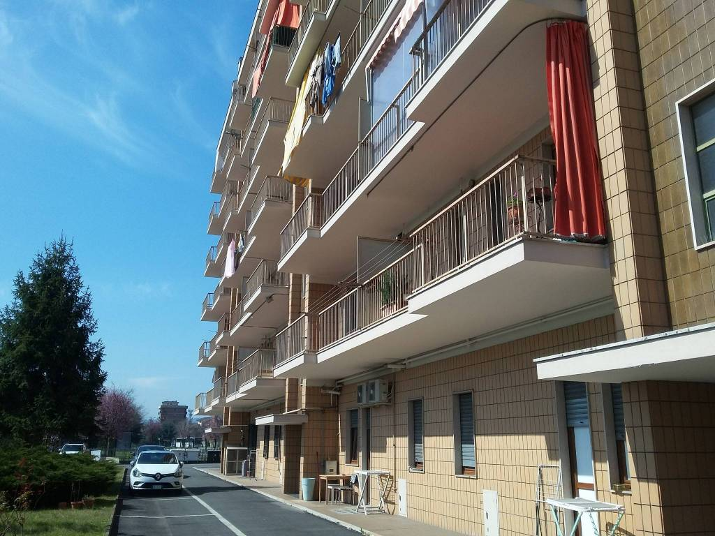 foto facciata 3-room flat via Massimo Portalupi 6, Collegno