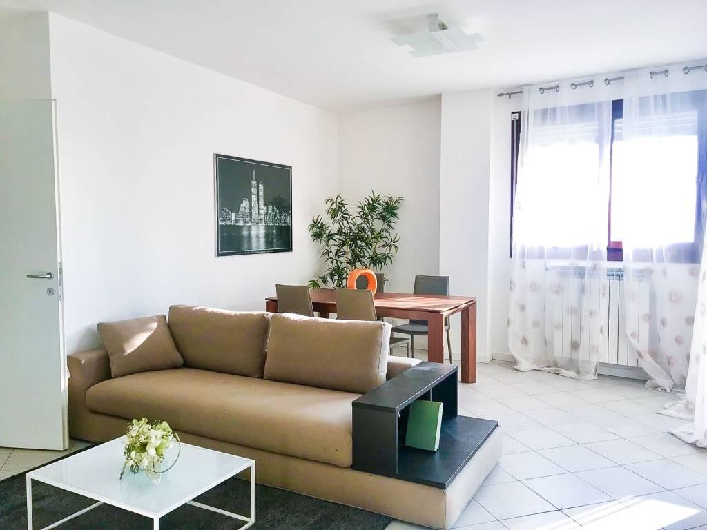 Vendita Appartamento Sesto San Giovanni. Trilocale in via Fratelli ...