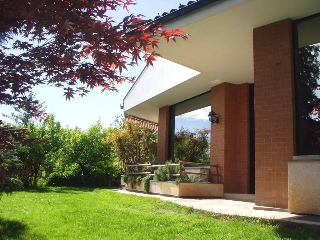 foto ESTERNO Single family villa, excellent condition, 485 sq.m., Gassino Torinese