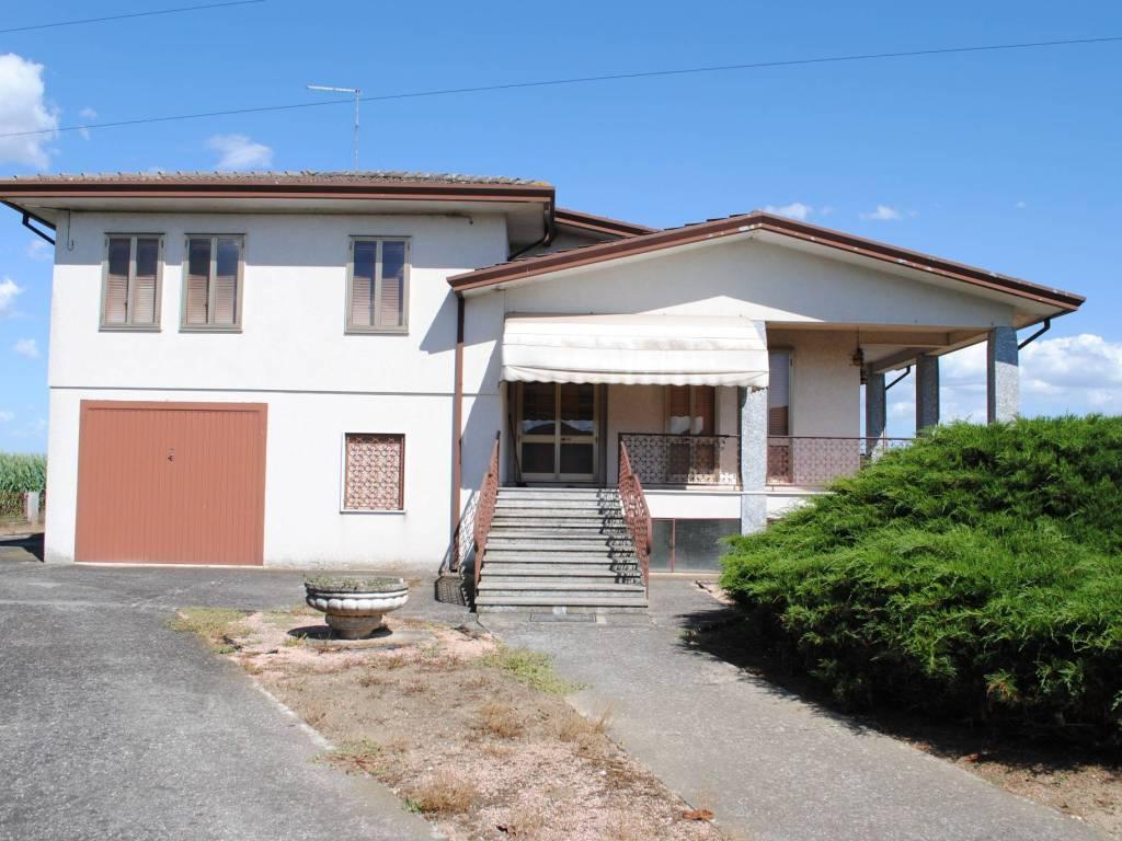 foto  Villa 250 mq, Pernumia