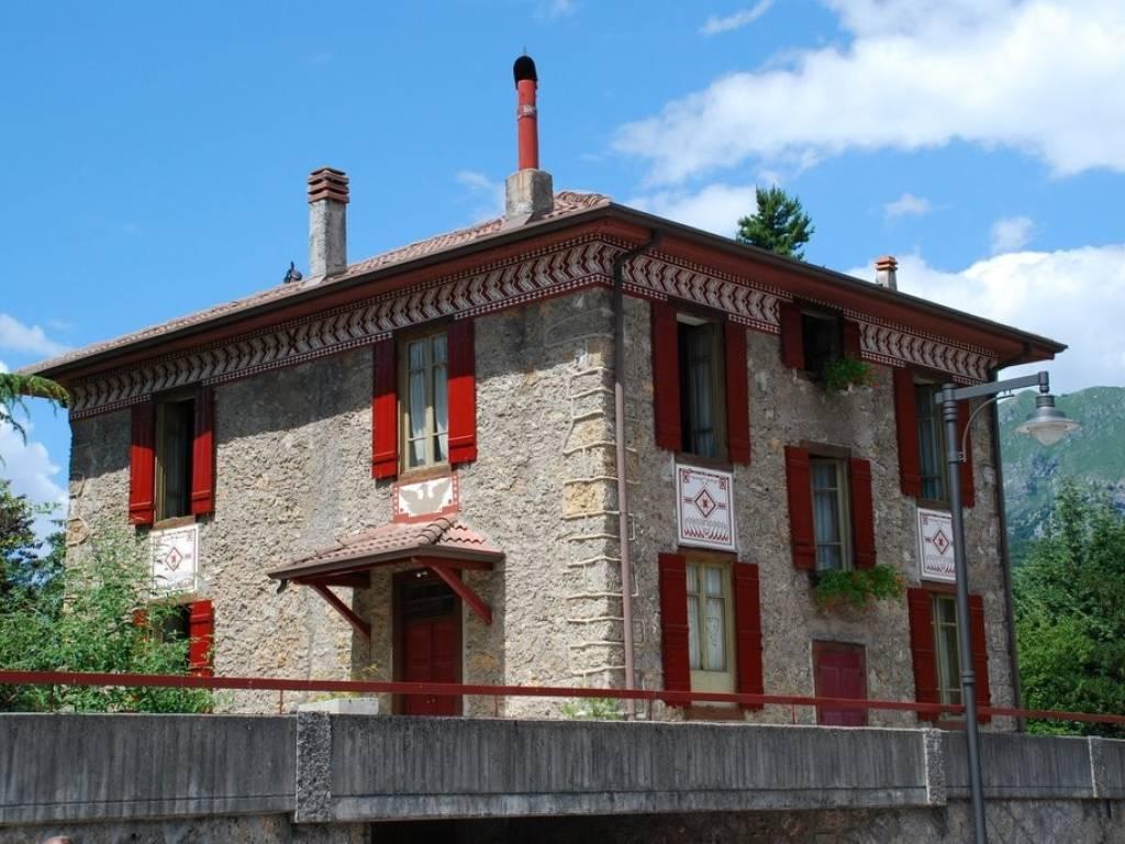 foto  Villa unifamiliare 900 mq, Castione della Presolana