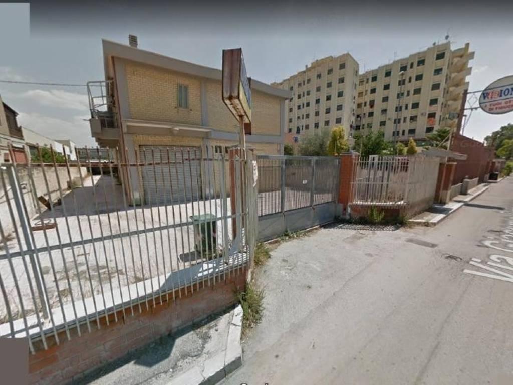 foto  Capannone in Affitto a Foggia