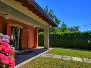 Foto - Villa via Cantù, 39, Montorfano