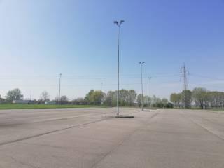 Foto - Terreno edificabile commerciale a Melegnano