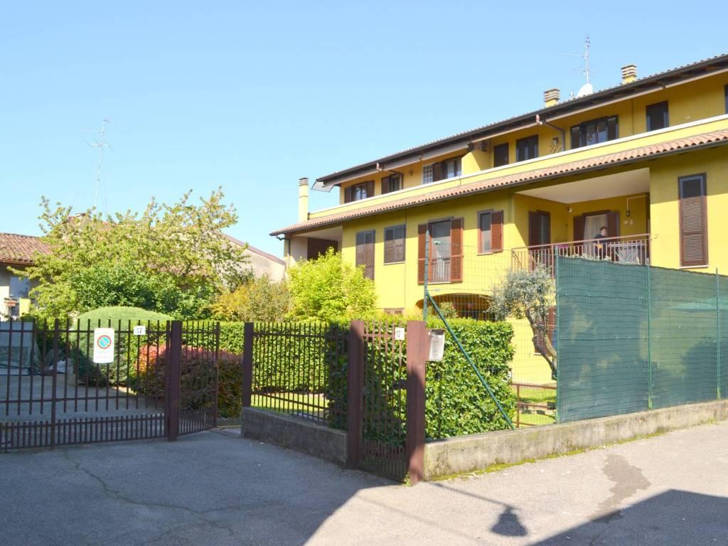 foto esterno immobile 2-room flat via San Gregorio Barbarigo, Capriate San Gervasio