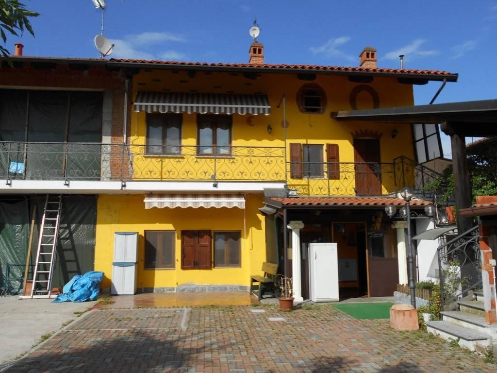foto  Villa bifamiliare via Alessandro Manzoni 26, Borgo d'Ale
