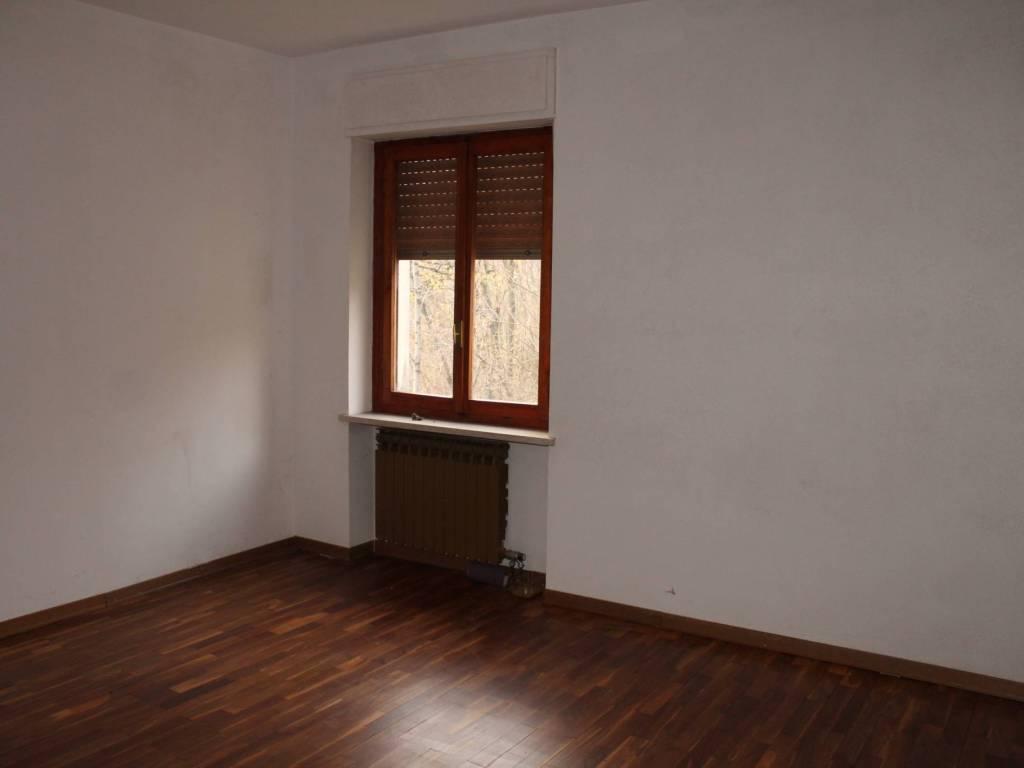 foto CAMERA 4-room flat via Drusacco, Valchiusa