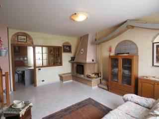 Foto - Casa indipendente 168 mq, buono stato, Petriolo