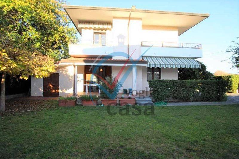 Vendita Villa in via Palestro Pietrasanta. Buono stato, terrazza ...
