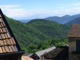 Foto - Casa indipendente via dei Ronchi, Caprezzo