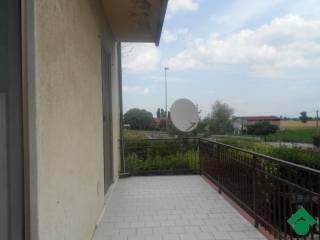 Foto - Trilocale via Medesano, 2, Noceto