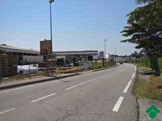 Foto - Terreno edificabile industriale a Pastrengo