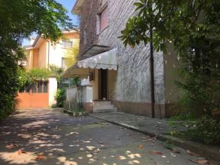 Foto - Villa via Roggiuzzole 12, Centro città, Pordenone
