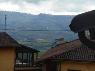 Foto - Trilocale via Regina Margherita, Diano d'Alba