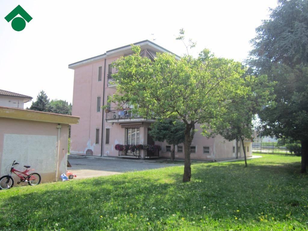 foto 1 3-room flat via Lodi, Dovera