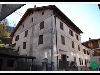 Foto - Casa indipendente 210 mq, da ristrutturare, Fisto, Spiazzo
